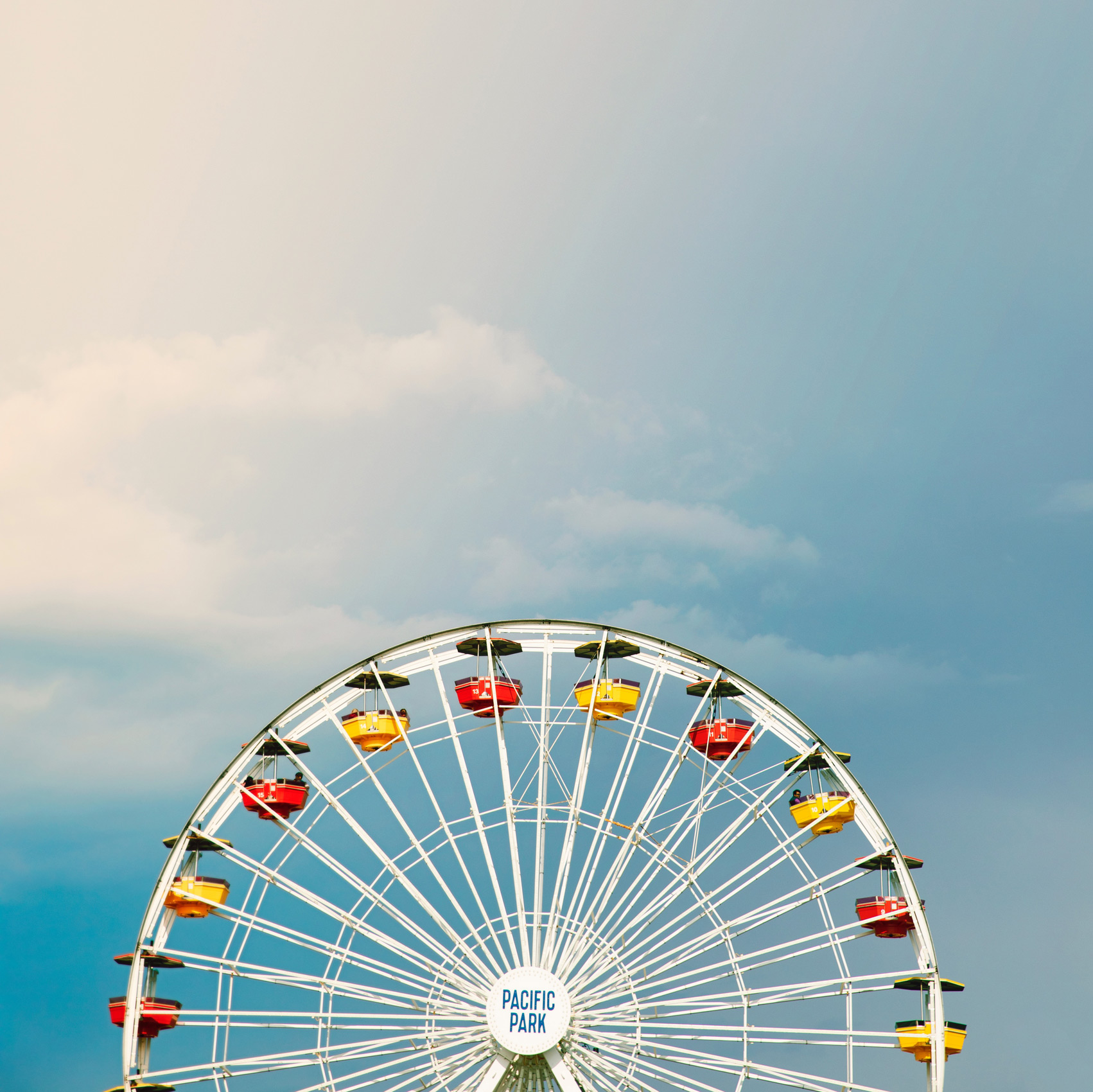 Santa Monica Pier ferris wheel. Kimberly Genevieve lifestyle photographer Los Angeles