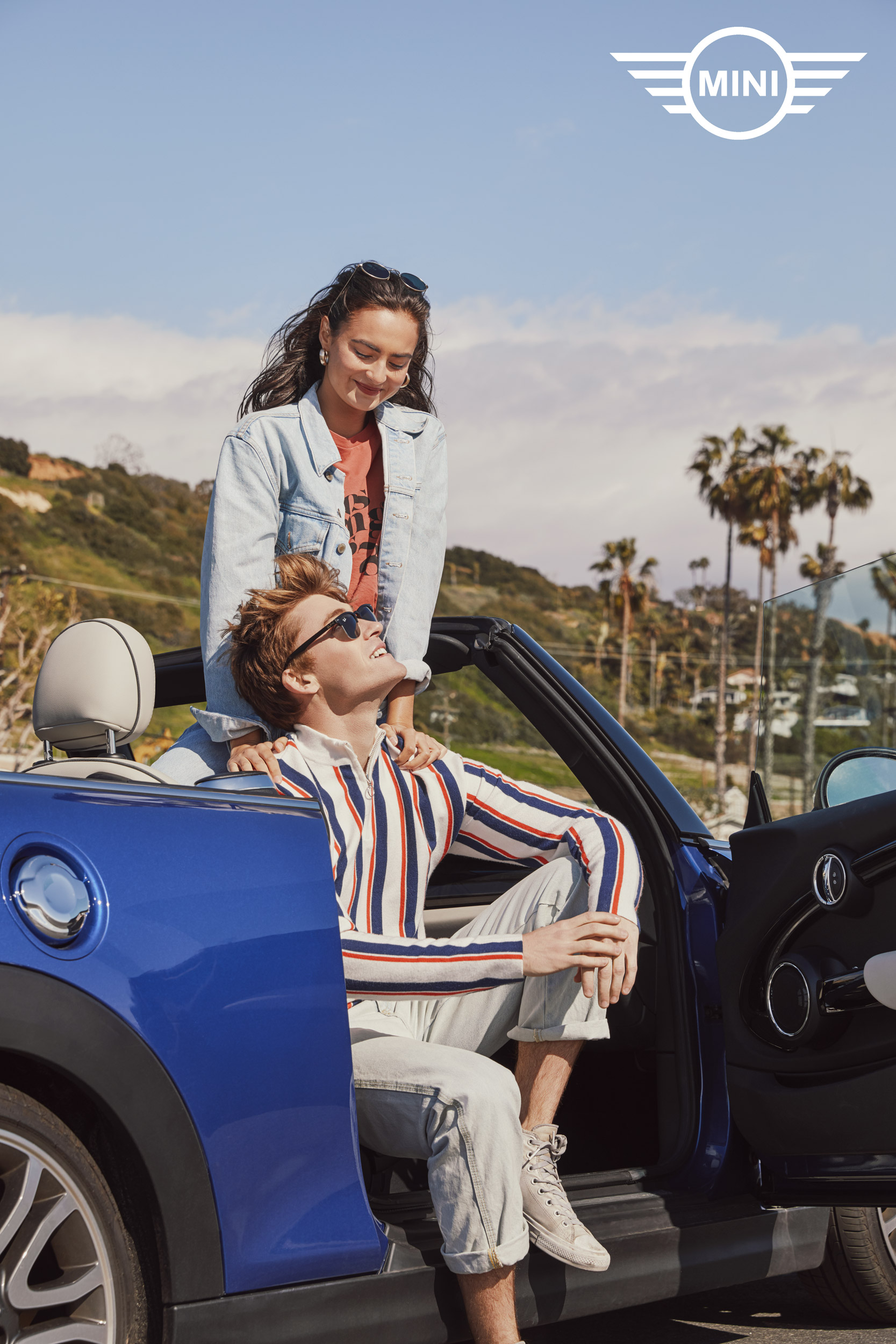 Millennial couple smiling in a convertible mini cooper - Kimberly Genevieve Los Angeles Lifestyle Advertising Photographer