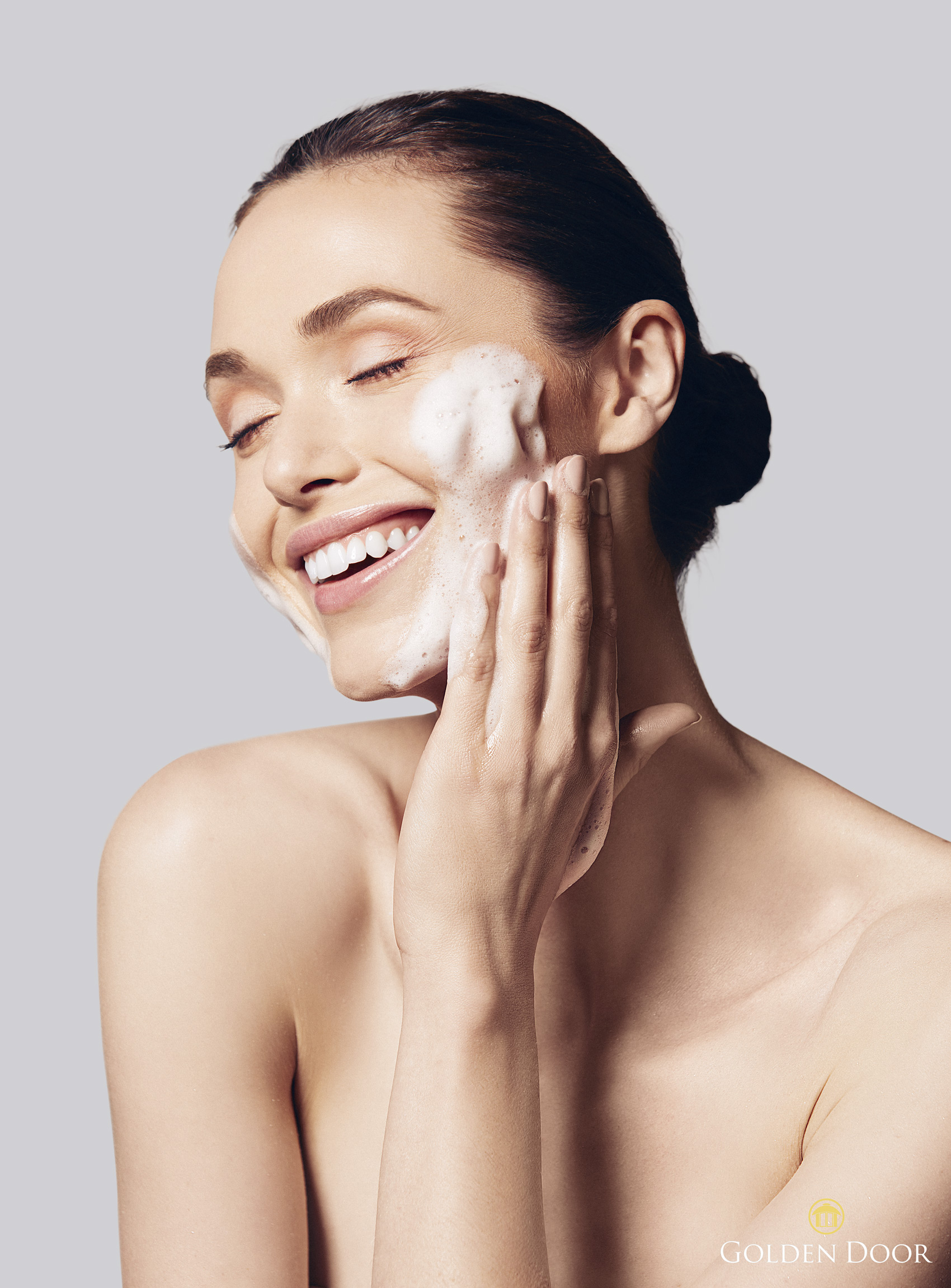 Girl laughing with soap suds on her face - Kim Genevieve Los Angeles Lifestyle Photographer